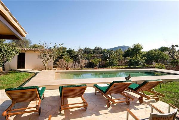Attractive holiday house for 6 persons, with swimming pool , in Pollenca - Image 1 - Pollenca - rentals