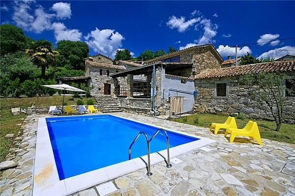 Newly renovated holiday house for 9 persons, with swimming pool , in Roc - Image 1 - Buzet - rentals