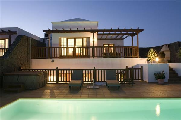 Luxury holiday house for 8 persons, with swimming pool , in Yaiza, Playa Blanca - Image 1 - Yaiza - rentals