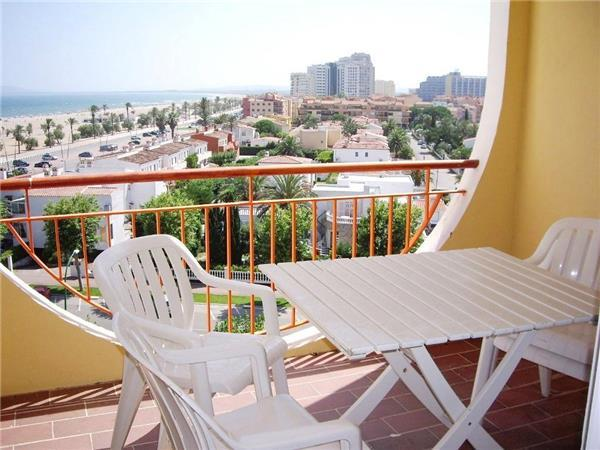 Apartment for 6 persons near the beach in Empuriabrava - Image 1 - Empuriabrava - rentals