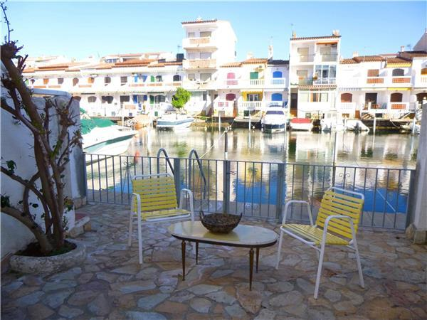 Holiday house for 8 persons in Empuriabrava - Image 1 - Empuriabrava - rentals