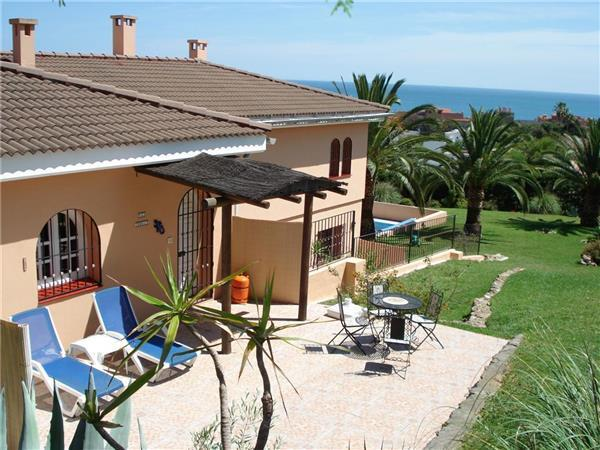 Renovated apartment for 5 persons, with swimming pool , in Estepona - Image 1 - Estepona - rentals