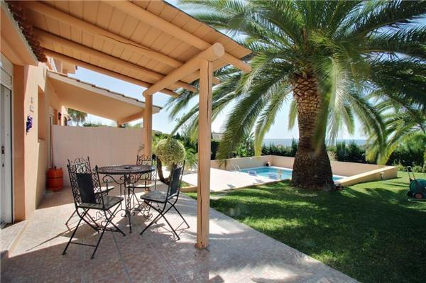 Renovated apartment for 4 persons, with swimming pool , in Estepona - Image 1 - Estepona - rentals