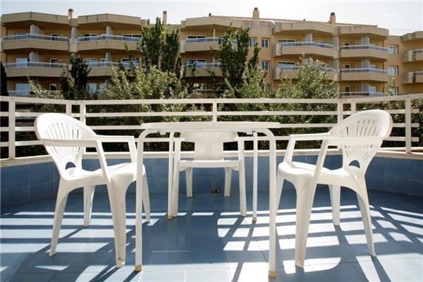 Apartment for 4 persons, with swimming pool , near the beach in Salou - Image 1 - Salou - rentals