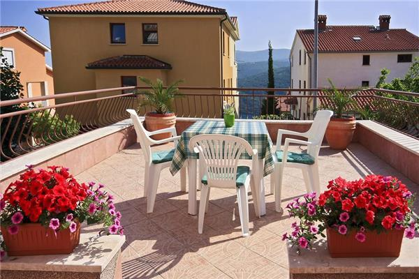 Apartment for 4 persons in Rabac - Image 1 - Rabac - rentals