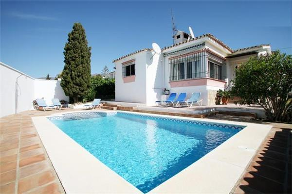 Holiday house for 6 persons, with swimming pool , in Estepona - Image 1 - Estepona - rentals