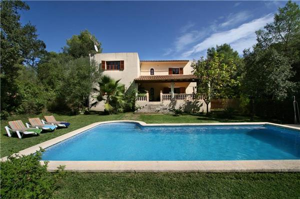 Attractive holiday house for 8 persons, with swimming pool , in Pollenca - Image 1 - Pollenca - rentals