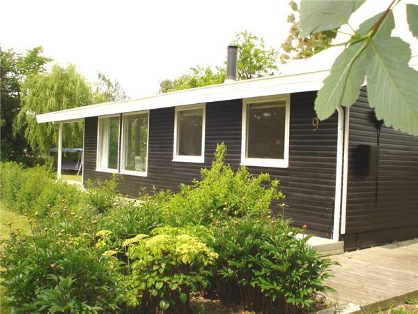Attractive holiday house for 5 persons near the beach in Slagelse - Image 1 - Slagelse - rentals