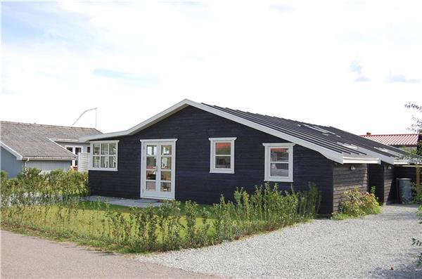 Renovated holiday house for 4 persons near the beach in North-eastern Funen - Image 1 - Nyborg - rentals