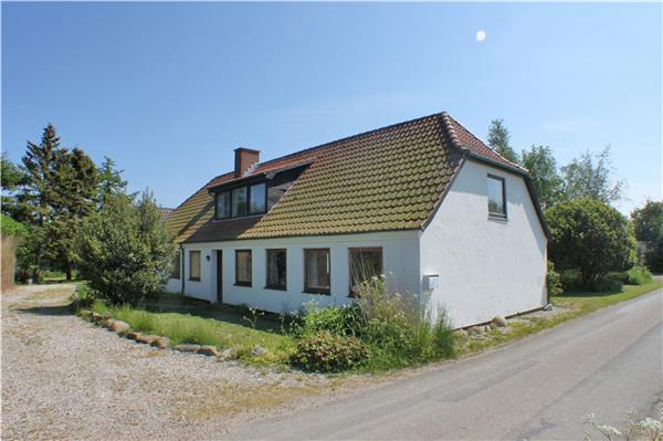 Holiday house for 18 persons, with swimming pool , in Langeland - Image 1 - Tranekaer - rentals