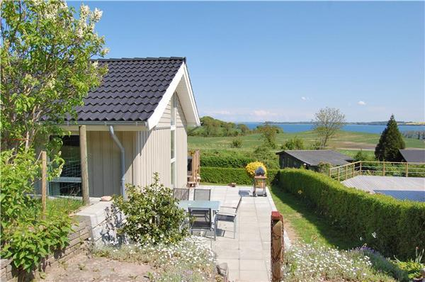Attractive holiday house for 8 persons near the beach in East Coast - Image 1 - Lojt Kirkeby - rentals
