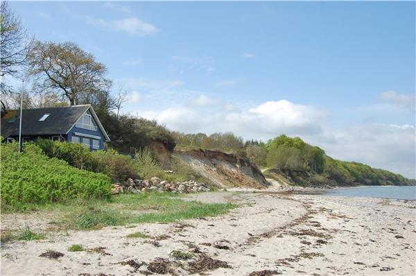 Attractive holiday house for 6 persons near the beach in North-western Funen - Image 1 - Asperup - rentals
