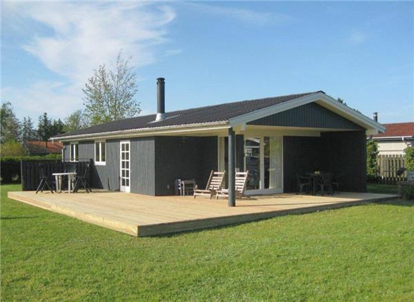 Holiday house for 6 persons near the beach in North-western Funen - Image 1 - Middelfart - rentals