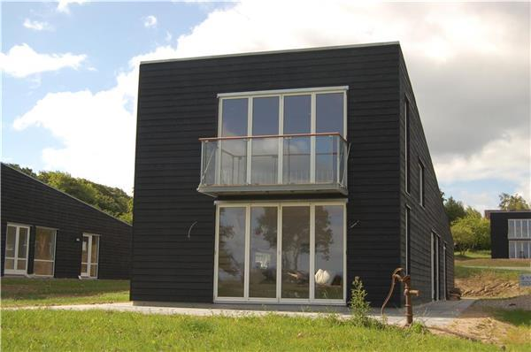 Attractive holiday house for 8 persons near the beach in North-western Funen - Image 1 - Asperup - rentals