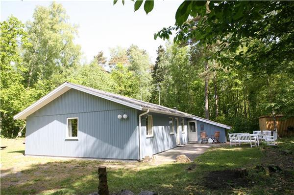 Holiday house for 8 persons near the beach in Snogebæk - Image 1 - Nexo - rentals