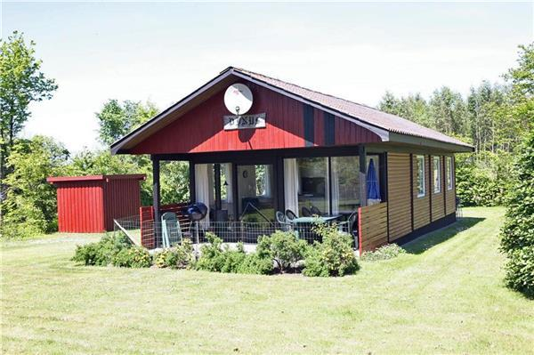 Holiday house for 6 persons near the beach in Arnager - Image 1 - Rønne - rentals