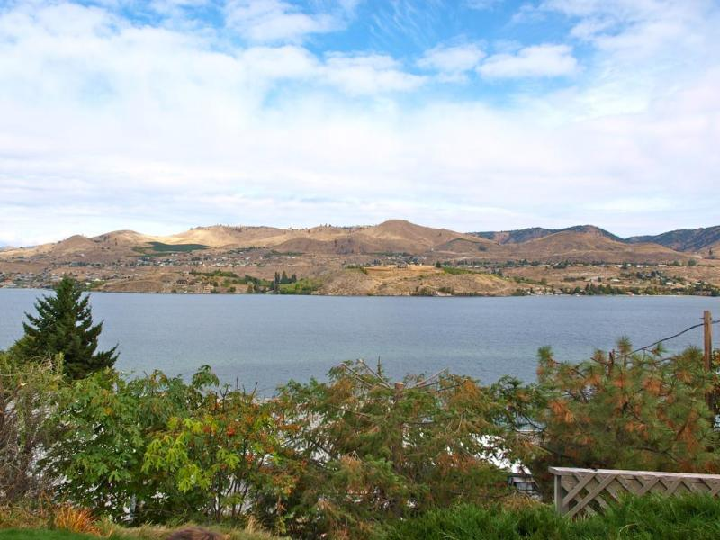 View from Patio, Living room & Kitchen Area - Plush Lake View Condo -Walk to Everything! - Chelan - rentals