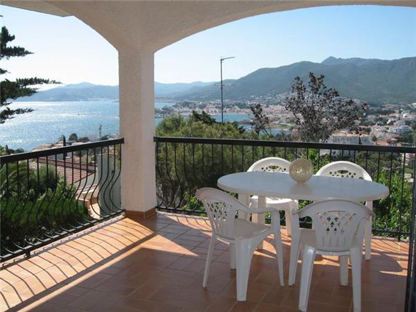 Apartment for 5 persons in Llanca - Image 1 - Llanca - rentals