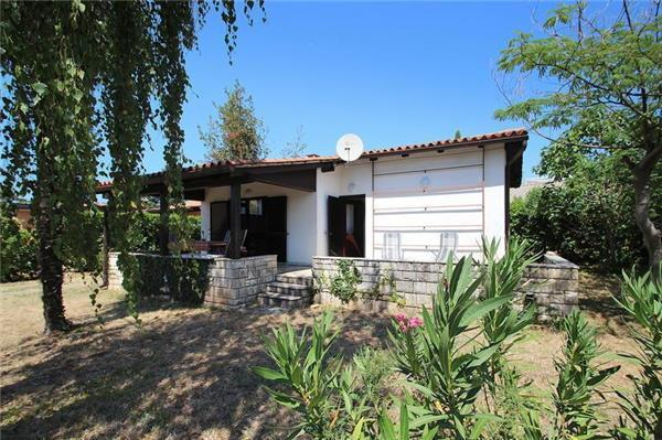 Holiday house for 4 persons near the beach in Novigrad - Image 1 - Novigrad - rentals