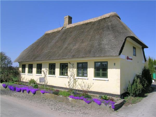 Newly renovated holiday house for 6 persons in Southern Funen - Image 1 - Haarby - rentals