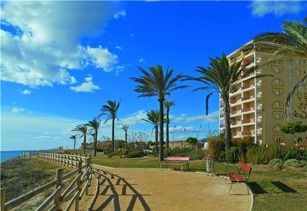 Apartment for 4 persons, with swimming pool , near the beach in Benidorm - Image 1 - Finestrat - rentals