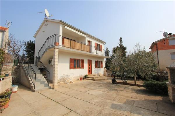 Apartment for 4 persons in Medulin - Image 1 - Liznjan - rentals