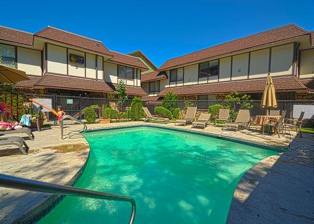 Relaxing Outdoor Pool just steps from Lakeside Villa #7 - Chelan Lakeside Villa C7 - Chelan - rentals