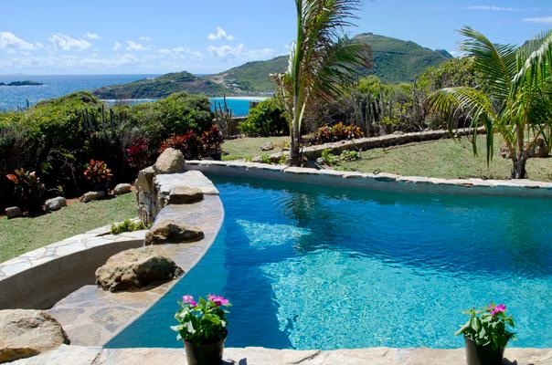 Villa Rosa... 4BR, Red Pond Estates, St Maarten 800 480 8555 - VILLA ROSA..4 BR located in the gated community of Red Pond Estates on St. Maarten - Saint Martin-Sint Maarten - rentals