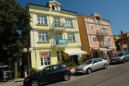 Apartment for 3 persons near the beach in Selce - Image 1 - Selce - rentals