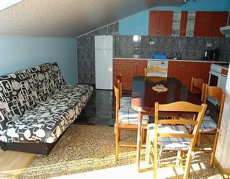 Apartment for 10 persons near the beach in Crikvenica - Image 1 - Jadranovo - rentals