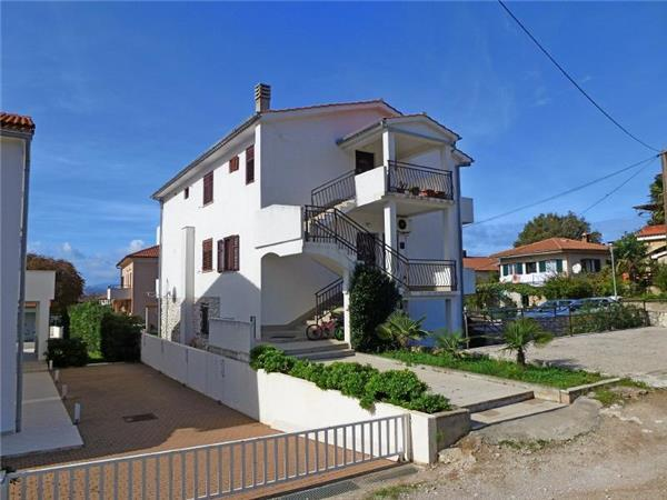 Apartment for 4 persons near the beach in Krk - Image 1 - Njivice - rentals