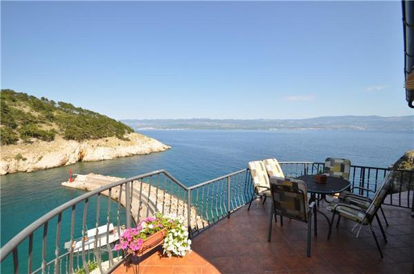 Luxury holiday house for 8 persons near the beach in Krk - Image 1 - Vrbnik - rentals