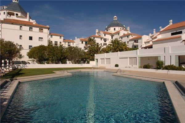 Apartment for 2 persons, with swimming pool , in Vilamoura - Image 1 - Vilamoura - rentals
