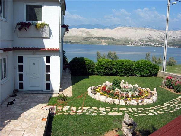 Apartment for 5 persons near the beach in Pag - Image 1 - Pag - rentals
