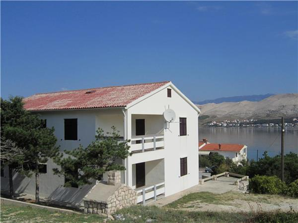 Attractive apartment for 9 persons near the beach in Pag - Image 1 - Pag - rentals
