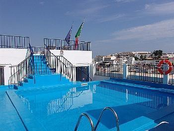 Apartment for 4 persons, with swimming pool , near the beach in Albufeira - Image 1 - Albufeira - rentals