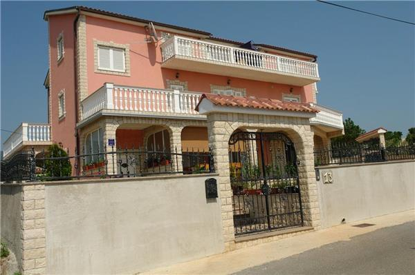 Apartment for 2 persons in Crikvenica - Image 1 - Novi Vinodolski - rentals