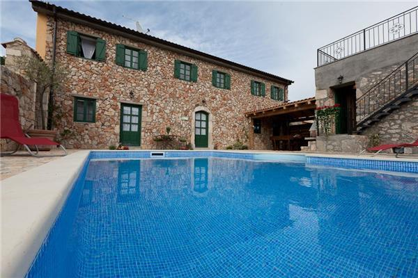 Luxury holiday house for 14 persons, with swimming pool , in Crikvenica - Image 1 - Bribir - rentals