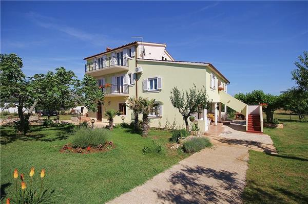 Apartment for 8 persons in Fazana - Image 1 - Fazana - rentals