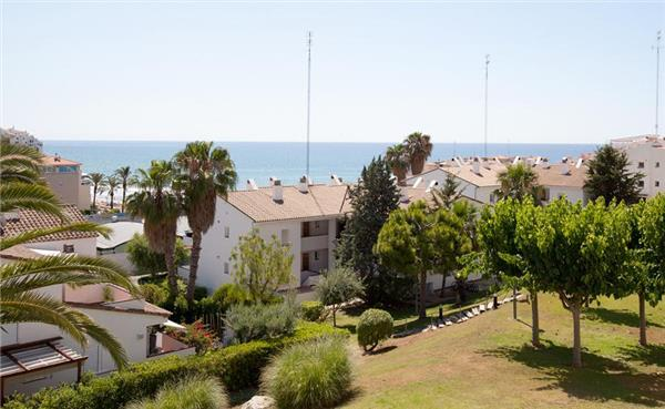 Apartment for 6 persons, with swimming pool , near the beach in Sitges - Image 1 - Sitges - rentals