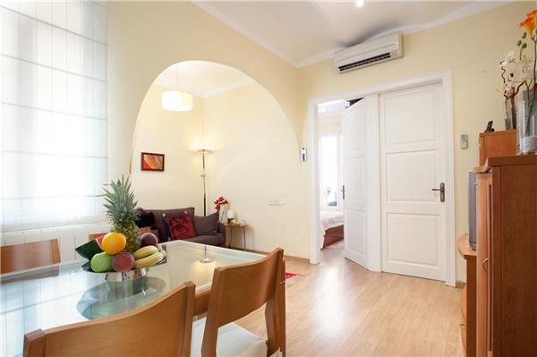Apartment for 4 persons in Barcelona - Image 1 - Barcelona - rentals