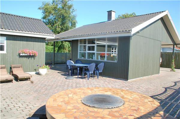 Holiday house for 6 persons near the beach in North-eastern Funen - Image 1 - Otterup - rentals