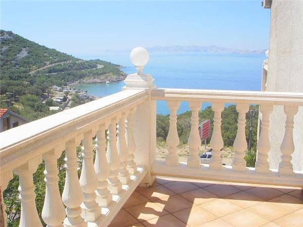 Apartment for 2 persons near the beach in Senj - Image 1 - Klenovica - rentals