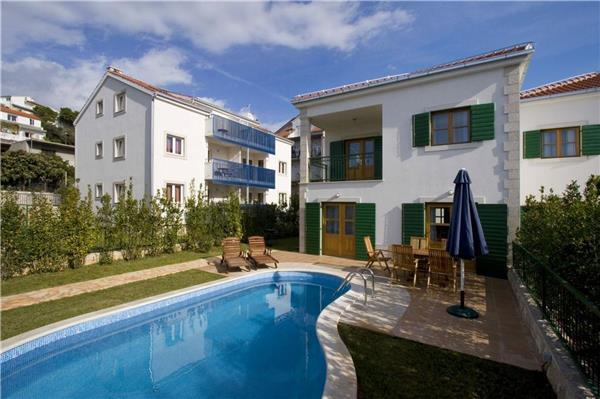 Luxury holiday house for 8 persons, with swimming pool , near the beach in Hvar - Image 1 - Hvar - rentals