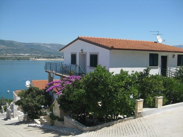 Apartments BARBA with great seview - Image 1 - Trogir - rentals
