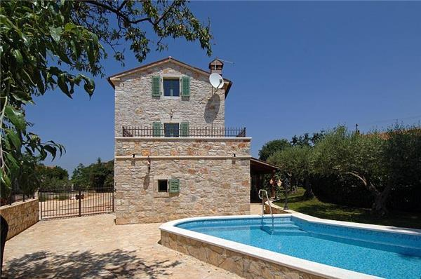 Attractive holiday house for 8 persons, with swimming pool , in Porec - Image 1 - Porec - rentals