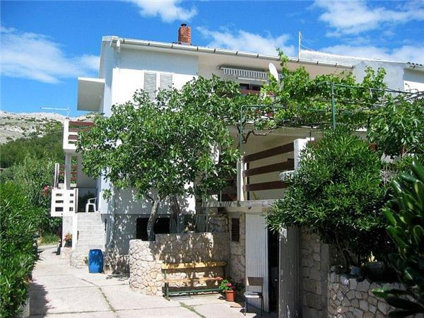 Apartment for 7 persons near the beach in Pag - Image 1 - Pag - rentals