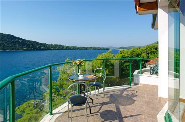 Apartment for 6 persons near the beach in Korcula - Image 1 - Blato - rentals