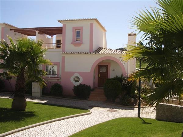 Holiday house for 6 persons, with swimming pool , in Salema - Image 1 - Budens - rentals