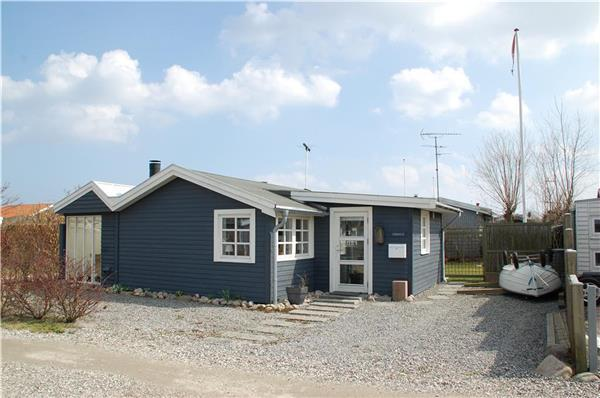 Renovated holiday house for 5 persons near the beach in North-eastern Funen - Image 1 - Otterup - rentals